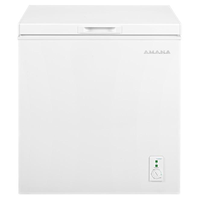 "Amana(R) Chest Freezer - 30"" - 5.3 cu. ft. - White"