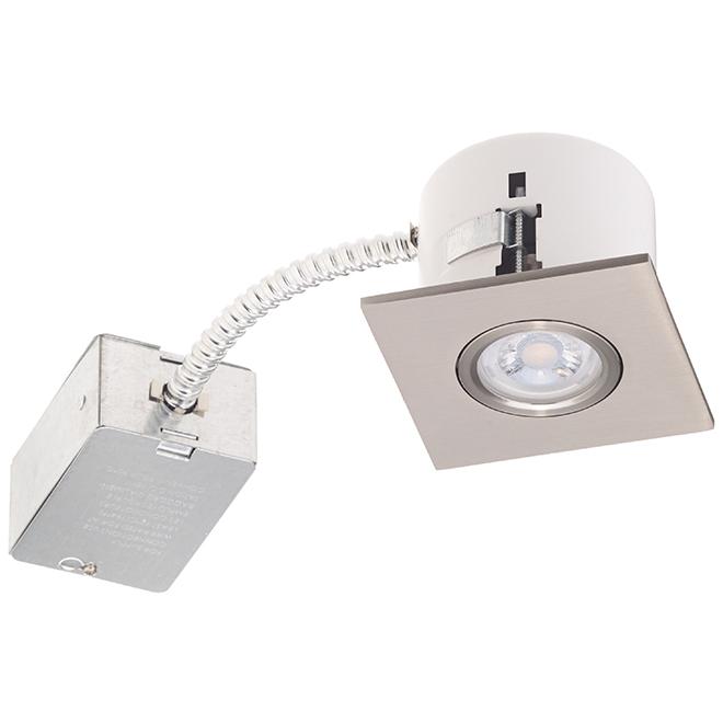Luminaire encastré carré en acier brossé de Bazz, construction neuve et rénovation, DEL intégrée 7 W
