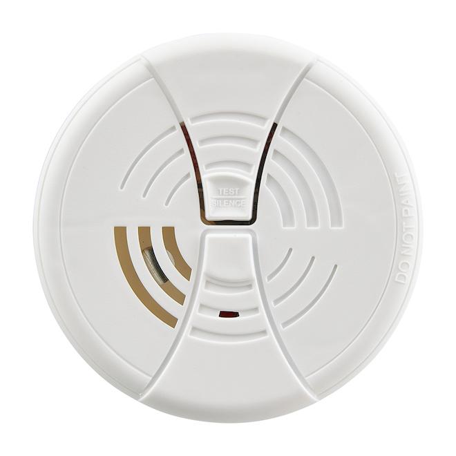 First Alert - Smoke Detector - 9 V Ion Battery