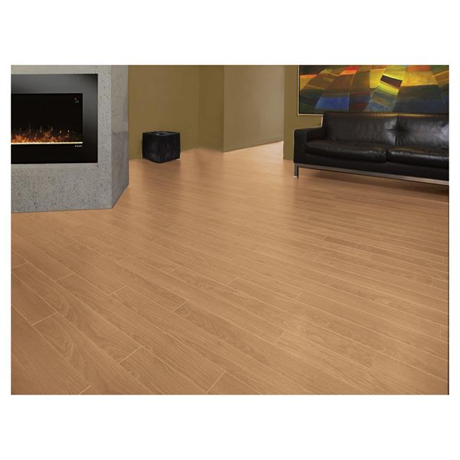 Laminate Flooring 12mm Megaloc Natural Oak Renoleftbanner
