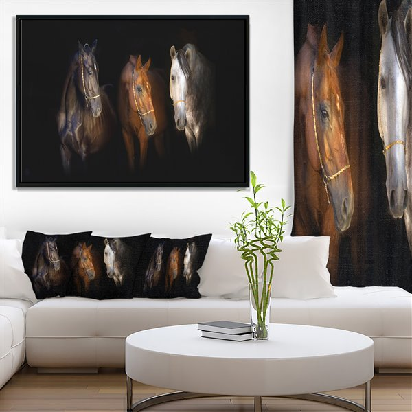 """Tableau d'art, trois chevaux à la bride d'or, 30"""" x 62"""""""
