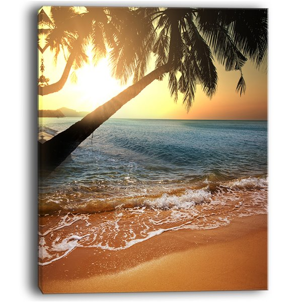 Designart Canada Tropical Beach 30-in x 40-in Canvas Wall Art