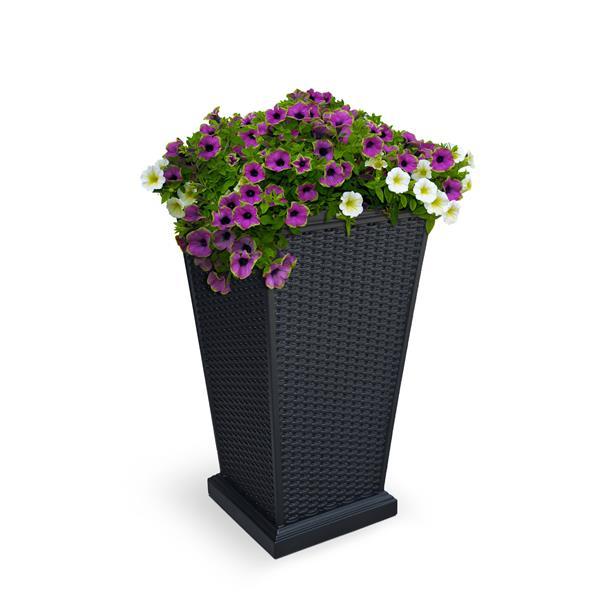 Mayne Wellington Tall Planter - 28-in - Plastic - Black