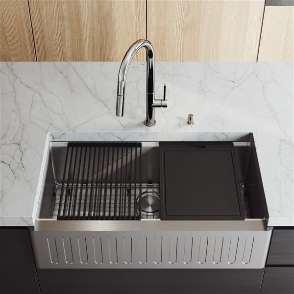 Évier de cuisine acier inoxydable Oxford VIGO de 36 po, robinet Greenwich avec tuyau extensible, distributeur de savon