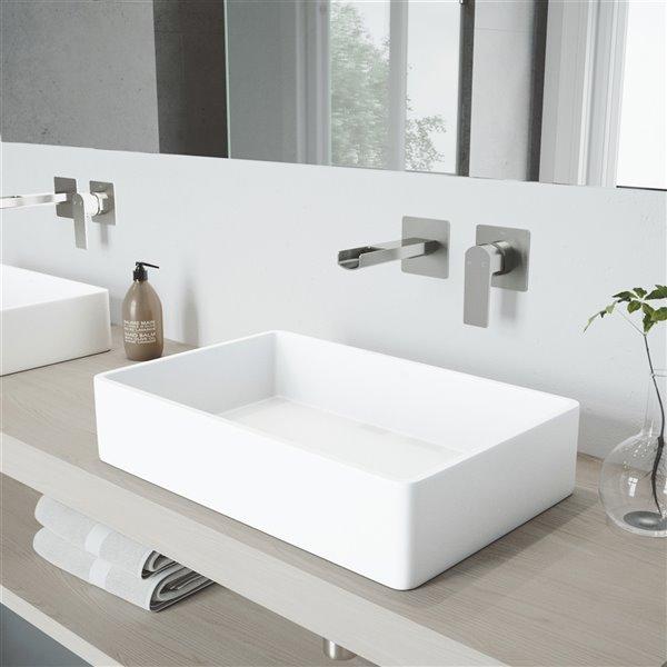 Lavabo de salle de bains Magnolia de VIGO, robinet nickel brossé, 21,25 po